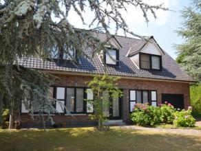 Landelijke gelegen woning met een bewoonbare oppervlakte 248 m² op een perceel van 1.856 m². De woonkamer met cassette-haard van 40 m²
