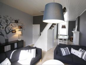 Mooie nette instapklare woning gelegen in het centrum van Aalst.De woning omvat op het gelijkvloers een inkom, eetplaats, een gezellige leefruimte en