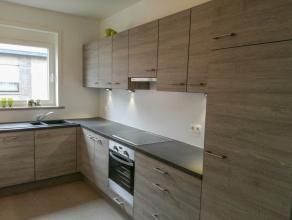 Wij bieden u een zeer energiezuinig, instapklaar en kwalitatief appartement aan in centrum Wetteren. Zij beschikt over een grote inkomhal, een ruime l