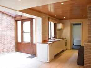 Beschrijving Gesloten bebouwing TOPPER! U zoekt:Een instapklare woning in het centrum van Dendermonde, maar toch rustig gelegen?Drie slaapkamers en li