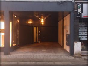 Autostaanplaats te huur in het centrum van Londerzeel. Ingang in de Stationsstraat, naast het Structura kantoor.