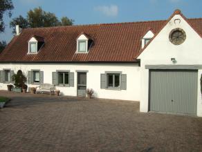 uiterst rustig en landelijke gelegen instapklare  vernieuwde fermette met garage en tuin gelegen op een grondoppervlakte van 8 a 30 ca<br /> gelijkvl