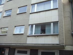 in centrum goed gelegen op te frissen appartement met GARAGE , het appartement is gelegen op de tweede verdieping
