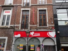 Handelseigendom te huur, gelegen te Luik, Rue de la Cathédrale 85. Voorheen: I love Shoes. <br /> Het pand heeft een oppervlakte op het gelijk