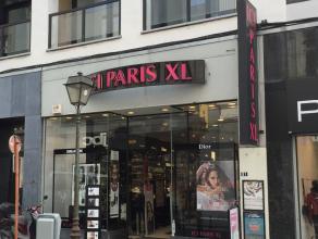 Winkelpand te huur, gelegen in het centrum van Luik- Rue Cathédrale 87-93. <br /> Het pand heeft een winkeloppervlakte van 193 m² en een s