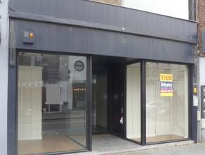 Mooi ingericht winkelpand te huur, gelegen te Brasschaat- Bredabaan 315. <br /> Het pand heeft een oppervlakte van 135 m². De maandelijkse huurp