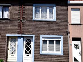 Op deze rustig gelegen locatie, ondanks het zeer centraal gelegen is in Oudenaarde bevindt zich deze te renoveren woning. De woning is als volgt inged