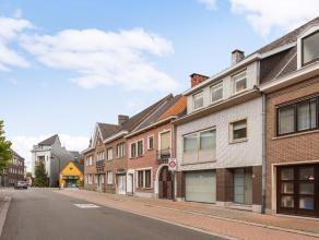 In het centrum van Oudenaarde, op wandelafstand van het station en de Markt van Oudenaarde, bevindt zich deze instapklare gezinswoning. In de nabijhei