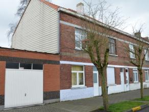 DOE EEN BOD!! Gezinswoning zoekt nieuwe eigenaar!<br /> In een rustig straatje treft deze gezinsvriendelijke eigendom... Deze woonst geniet ruimtelijk