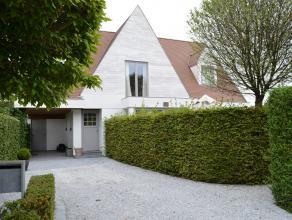 Drongen - Afsnee<br /> Nabij de oevers van de Oude Leie... waar sportievelingen en fietsers zich in hun sas voelen... huist deze luxueuze villa... Het
