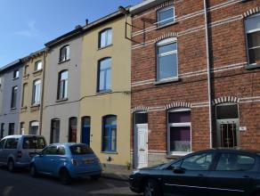 """In deze sfeervolle Gentse volksbuurt, op enkele straten gelegen van het """"Van Beverenplein"""" treft u dit budgetvriendelijk rijhuis (type 2 slaapkamers)"""