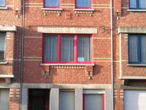 appartement bestaande uit living, keuken en badkamer, 1 slaapkamer, balkon VP ?375/m + ?15 algemene kosten/m
