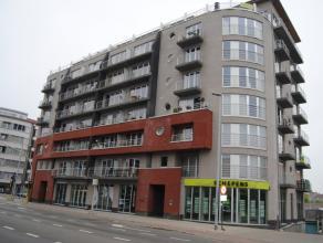 Appartement van 81m², living, ingerichte keuken en badkamer, 2 slaapkamers, berging, terras, ligging 1e verdiep, VP ?625 + ?40 algemene kosten