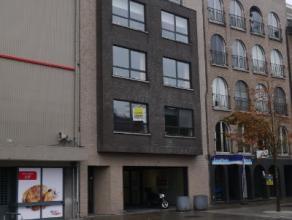Appartement van 67m² opp, living, ingerichte keuken en badkamer, 1 slaapkamer, dressing, berging, terras, VP ?540 + ?40 algemene kosten