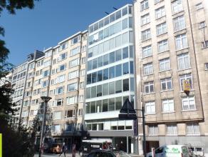 135m² (à 580m²) kantoren/winkelruimte<br /> Ligging: vlakbij stadscentrum; openbaar vervoer op wandelafstand<br /> Beschikbaar: onm