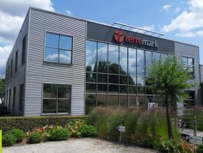 407m² (à 1884m²)  instapklare kantoorruimte <br /> Ligging: centraal gelegen tussen Gent, Antwerpen en Brussel, 8min van afrit E17 (L