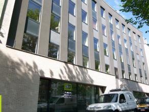 147m² gelijkvloerse kantoorruimte <br /> Ligging: tussen Gent-Zuid en Gent-Dampoort; vlotte verbinding naar E17/E40; openbaar vervoer op wandela