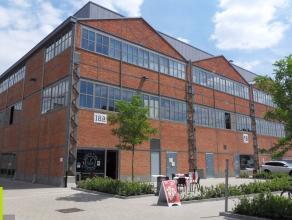 225m² (à 862m²) kantoorruimte <br /> Ligging: aan stadsring, op boogscheut van het stadscentrum, vlotte verbinding naar E17/E40/R4<br