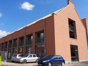 100m² (à 804m²) kantoren <br /> Ligging: aan stadsring, op boogscheut van stadscentrum; vlotte verbinding naar E17/E40/R4; bushalte o