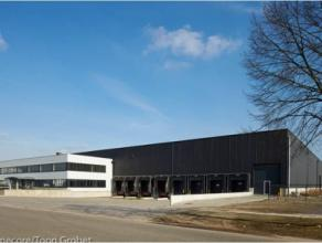 4900m² opslagruimte <br /> Ligging: vlakbij afrit E19; in KMO-zone Mechelen-Noord Beschikbaar: 01/02/17