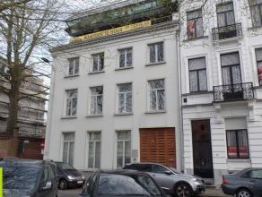 200m² kantoren op de eerste verdieping Ligging: vlakbij het centrum van Gent Beschikbaar: onmiddellijk Meer informatie of een bezoek? Contacteer