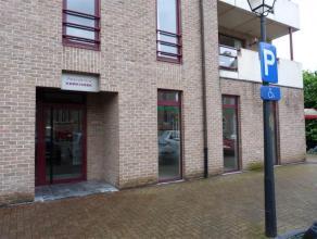Dit polyvalent pand; voormalige bibliotheek, gelegen in de dorpskern De Pinte bevindt zich in een goed onderhouden gebouw en uitgevoerd in degelijke m