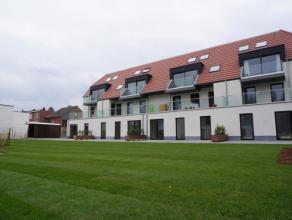 Dit nieuwbouw appartement is centraal maar rustig gelegen op wandel- en fietsafstand van openbaar vervoer, scholen, winkels en de markt. De ligging ga