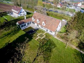 Riante villa, gelegen te Aalter-Brug met een zeer mooi aangelegde tuin. Totale perceelsoppervlakte 23.364 m². Mogelijkheid tot het bij aankopen v