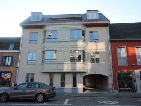 Dit luxueus appartement op de tweede verdieping in residentie 'De Druckereye' zal u direct kunnen bekoren als u ziet met welke hoogwaardige materialen
