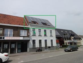 Dit appartement bevindt zich in een kleine residentie in de bruisende dorpskern van Waarschoot. Het oude herenhuis werd volledig gerenoveerd in 2012 e
