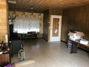 Deze te renoveren woning heeft alles wat het hart van de doe-het-zelver verlangt.<br /> Opvallend ruim, met garage , 3 slaapkamers en gezellige tuin.