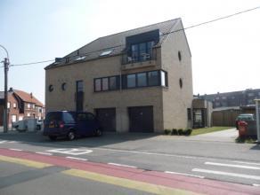 Mooi gelijkvloers appartement met open, ingerichte keuken, ruime living, badkamer, 2 slaapkamers, berging/wasplaats, zonnig terras, mooie tuin, carpor