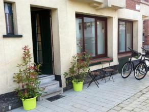 Volledig gemeubeld en uitgerust appartement gelegen aan het Te Boelaerpark. Het appartement beschikt over een woonkamer, een ingerichte keuken, badkam