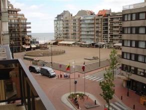 Gezellige ingerichte penthouse op een zeer centrale ligging. Samenstelling: woonkamer met groot terras. Vanop het terras heeft u een mooi zicht op het