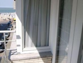 Aangenaam vakantieappartement met twee slaapkamers op een boogscheut van het strand tussen het Rubensplein en het Casino. Samenstelling: inkomhal, rui