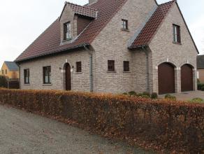 Prachtige woning gelegen in een rustige en kindvriendelijke buurt. De verzorgde woning heeft een bewoonbare oppervlakte van circa 220m² met op he