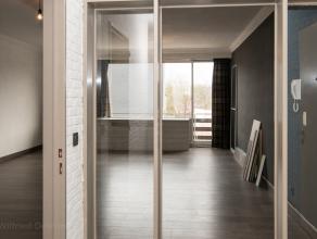 Dit gezellig appartement gelegen te Lier, werd recentelijk volledig vernieuwd en is bijgevolg instapklaar. De dakisolatiewerken worden in september ui