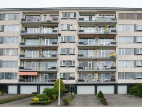 Dit appartement met 2 ruime slaapkamers is gelegen op de vierde verdieping van een goed onderhouden en verzorgd appartementencomplex te Wilrijk. Het a