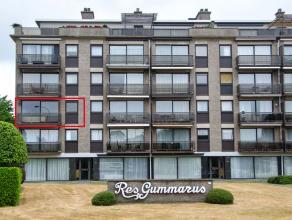 Het appartement is gelegen op de tweede verdieping van een appartementsgebouw naast de ring van Lier.<br /> Vanuit de inkomhal komen we in een zeer ru