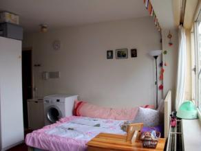 In een klein appartementsgebouw in het hart van Leuven kan u deze te renoveren studio terugvinden. Er staan er twee te koop (1ste en 2de verdieping),