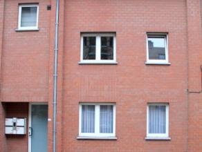 Mooie, gemeubelde flat te koop op een prachtige ligging te Leuven. Maakt deel uit van een gebouw met slechts 4 wooneenheden. Rustig wonen. Gezellige r
