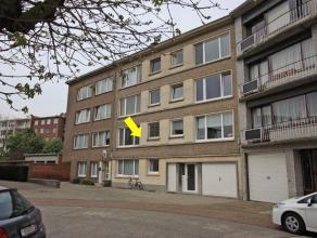 Mooi, appt. met 2 slpkamers en terras, op de 1e verdieping van een verzorgd gebouw, rustig gelegen aan Van Goethemplein te Borgerhout. Indeling : inko