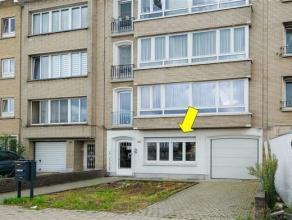 Degelijk gelijkvloersappartement met 2 slaapkamers gelegen in een klein gebouw aan de verbindingsweg Bisschoppenhoflaan, vlakbij oprit autosnelweg en