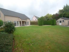Landhuis nabij centrum Hoeselt!!!In een residentiële, rustige doodlopende straat vinden we deze prachtige landelijke woning op een perceel van 09