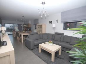 NIEUW BIJ CENTURY21 ANIMO!!!<br /> Prachtig gelijkvloers appartement met een totale bewoonbare oppervlakte van maar liefst 120m². Dit mooie appar