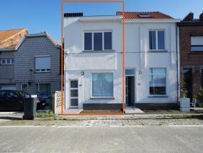 Deze instapklare woning is de ideale investering. De woning ligt op een zeer goede ligging vlak buiten het centrum van Gent en een vlotte verbinding n