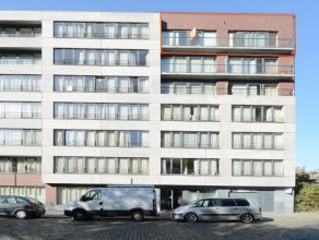 Instapklaar appartement in een mooi recent gebouw (bouwjaar 2009). Het appartement heeft een ruime leefruimte met uniek zicht op een park en gebouwen