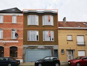 Instapklaar appartement met garage en berging. Goede ligging, snel naar Gent centrum en vlakbij de stadsring. Buurt in opwaardering, vele nieuwe proje