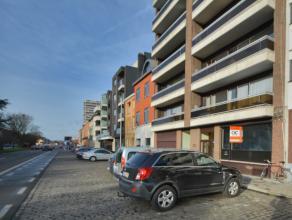 Dit ruim appartement is gelegen rechtover de Ciac site op de binnenring van Gent. Centraal tussen de coupure en de watersportbaan en op wandelafstand