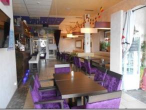 Brasserie de 95 m² idéalement située dans une galerie commerçante sur un axe routier bien fréquenté à p